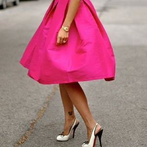 1 left! 🎉HP X2🎉 Pink pleated midi skirt